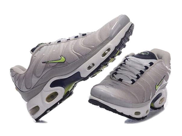 Air Max Nike Tn Requin/Nike Tuned 1 Chaussures Pas Cher Pour Homme Gris/Vert