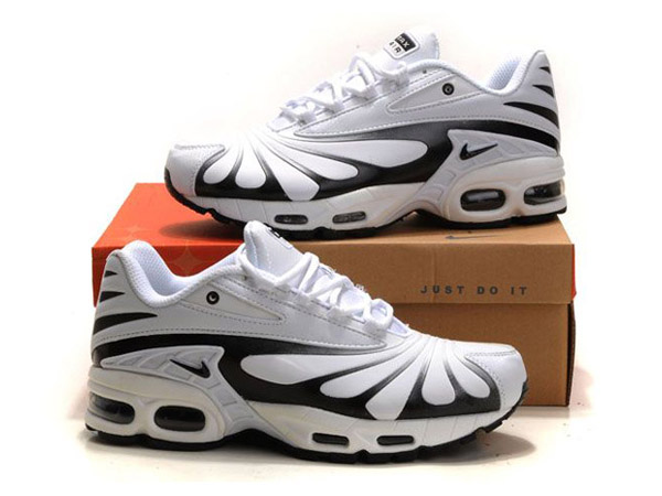 e7652f9335 ... Nike Air Max Tn Requin/Nike Tuned 3 Men´s Basketball Shoes White/