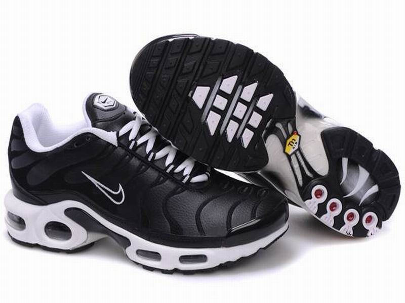 Boutique Nike Air Max Tn RequinTuned 1 Chaussures Pour Homme NoirBlanc Basket Nike 1507080942 Officiel Nike Site! Chaussures Tn Distributeur France.